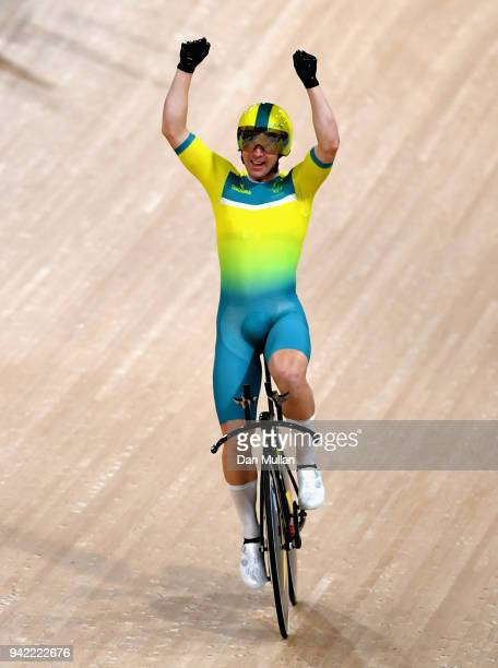 Leigh Howard of Australia celebrates winning gold in the Men's 4000m Team Pursuit Gold Final during the Cycling on day one of the Gold Coast 2018...