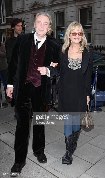Leigh Lawson And Twiggy Attend An Exhibition Of Photographs By Linda Mccartney Which Go On Show To Mark The 10Th Anniversary Of Her Death London