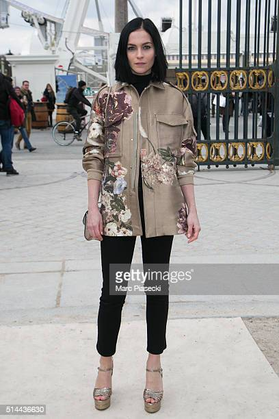 Leigh Lezark arrives to attend the 'Valentino' fashion show on March 8 2016 in Paris France