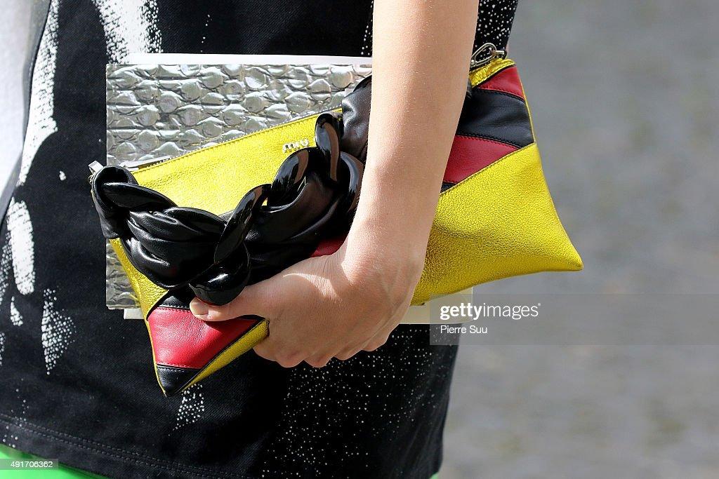 Miu Miu : Outside Arrivals - Paris Fashion Week Womenswear Spring/Summer 2016 : News Photo