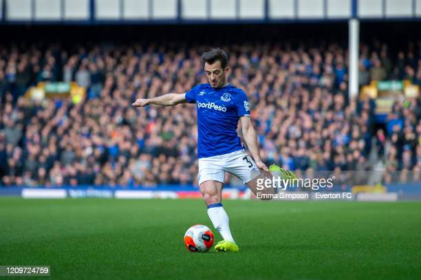 Leighton Baines of Everton prepares to cross during the Premier League match between Everton FC and Manchester United at Goodison Park on March 01...