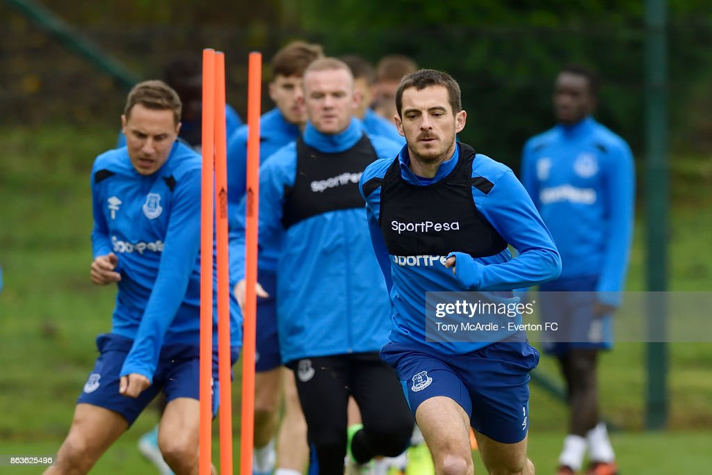 Leighton Baines (R) Wayne Rooney (C) and Phil Jagielka (L) during the Everton training session at USM Finch Farm on October 20, 2017 in Halewood, England.