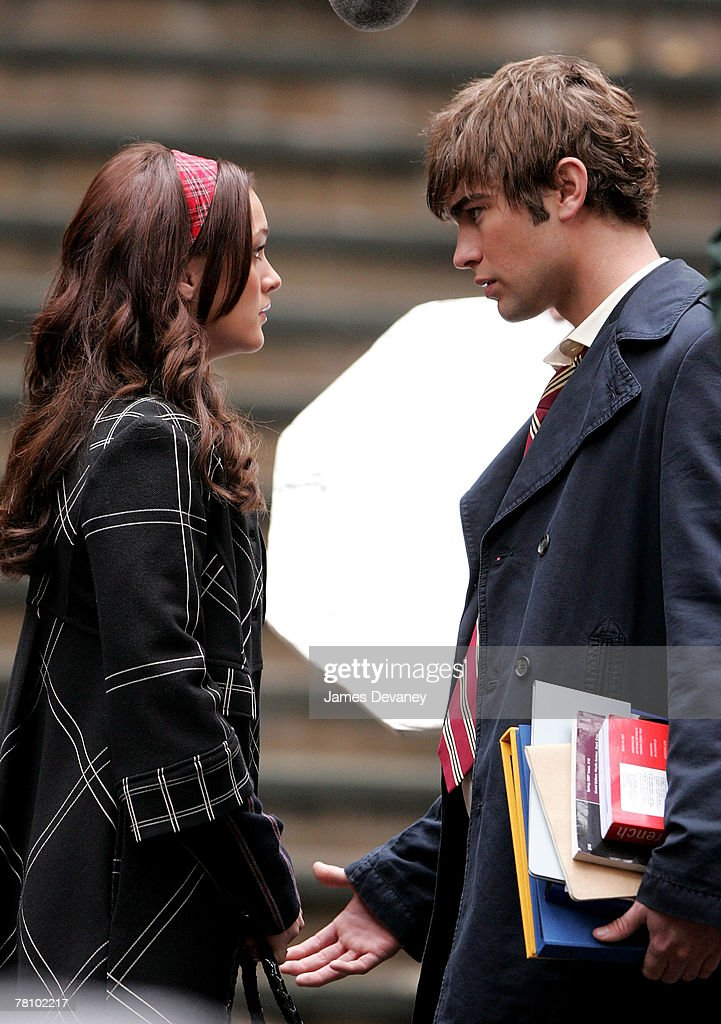 Leighton Meester and Chace Crawford on location for 'Gossip Girl' on November 26, 2007 in New York City, New York.