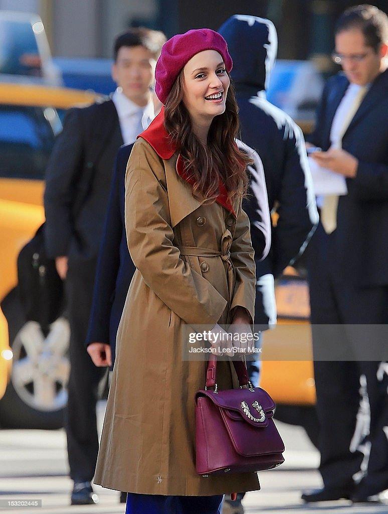 Celebrity Sightings in New York City - October 1, 2012 : Nachrichtenfoto