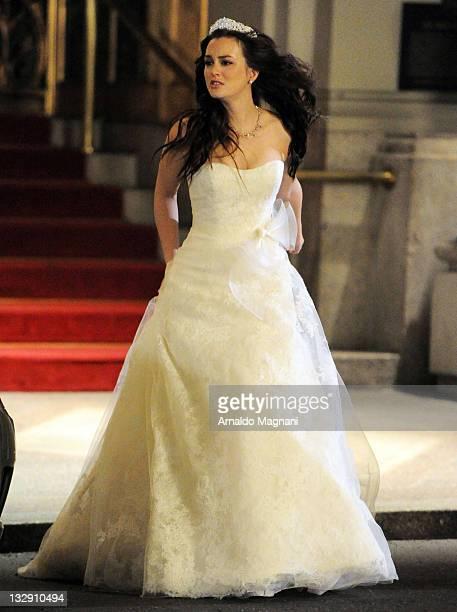 Leighton Meester films a scene from 'Gossip Girl' on November 15 2011 in New York City
