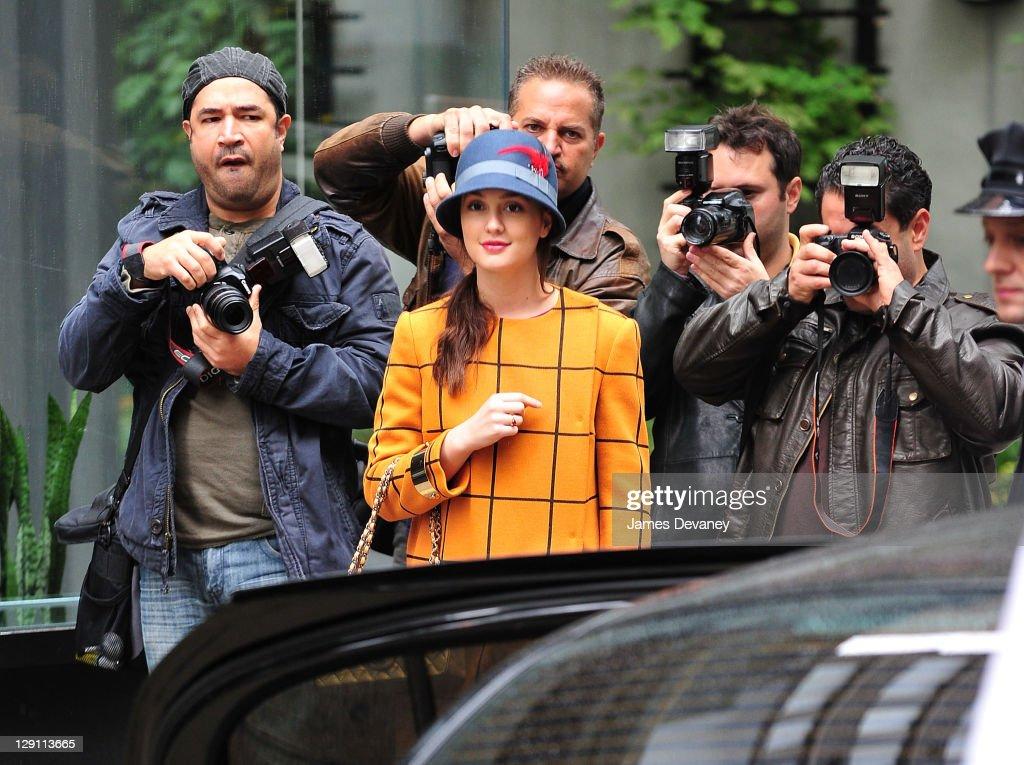 Celebrity Sightings In New York City - October 12, 2011 : Nachrichtenfoto