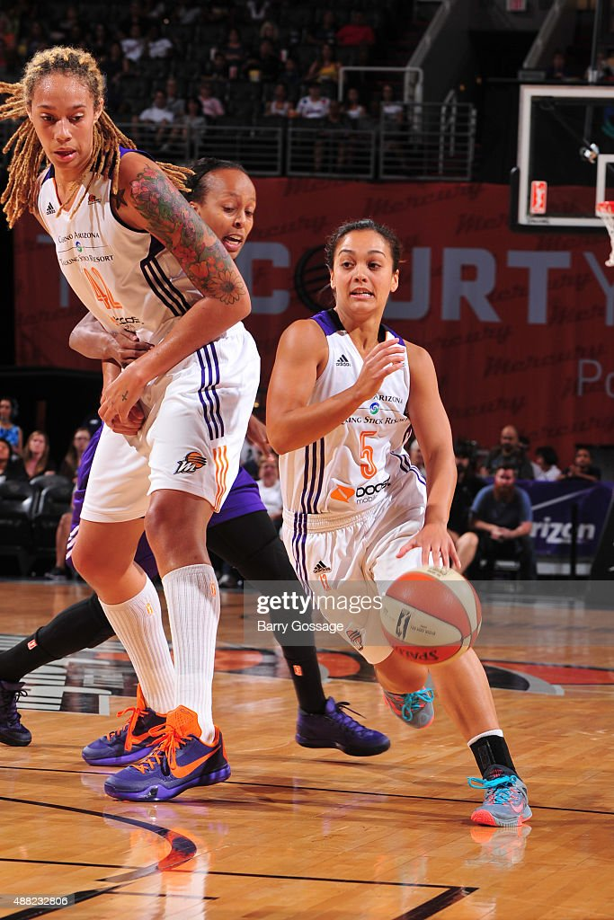 Leilani Mitchell #5 of the Phoenix Mercury handles the ball against the Los Angeles Sparks on September 11, 2015 at the US Airways Center in Phoenix, Arizona.