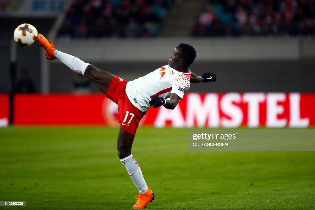 Leipzig's Portuguese midfielder Bruma kicks the ball during the UEFA Europa League quarter-final first leg football match RB Leipzig vs Olympique de Marseille (OM) at the RB arena in Leipzig, eastern Germany, on April 5, 2018. / AFP PHOTO / Odd ANDERSEN