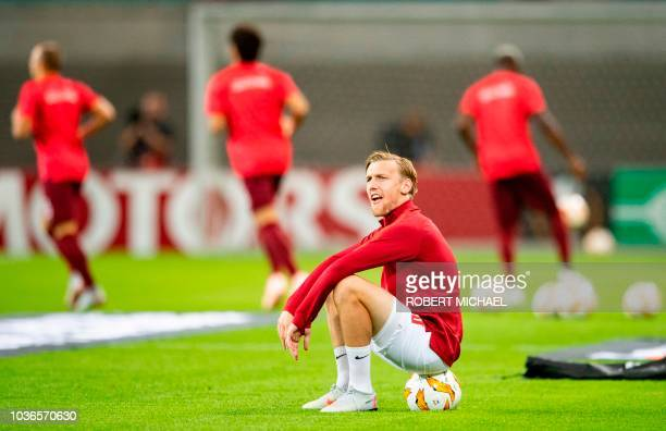 Players of Leipzig warm up prior to the UEFA Europa League Group B match between RB Leipzig and FC Salzburg at Red Bull Arena on September 20 2018 in...