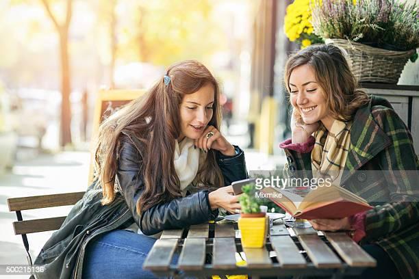 Freizeit in einem Café