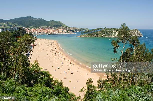 lekeitio beach, euskadi (basque country) (pais vasco), spain, europe - pais ストックフォトと画像