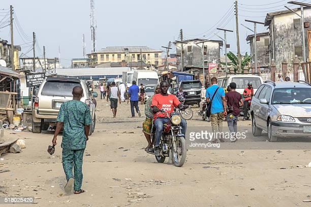 lekki street scene , lagos, nigeria - lagos nigeria stock pictures, royalty-free photos & images