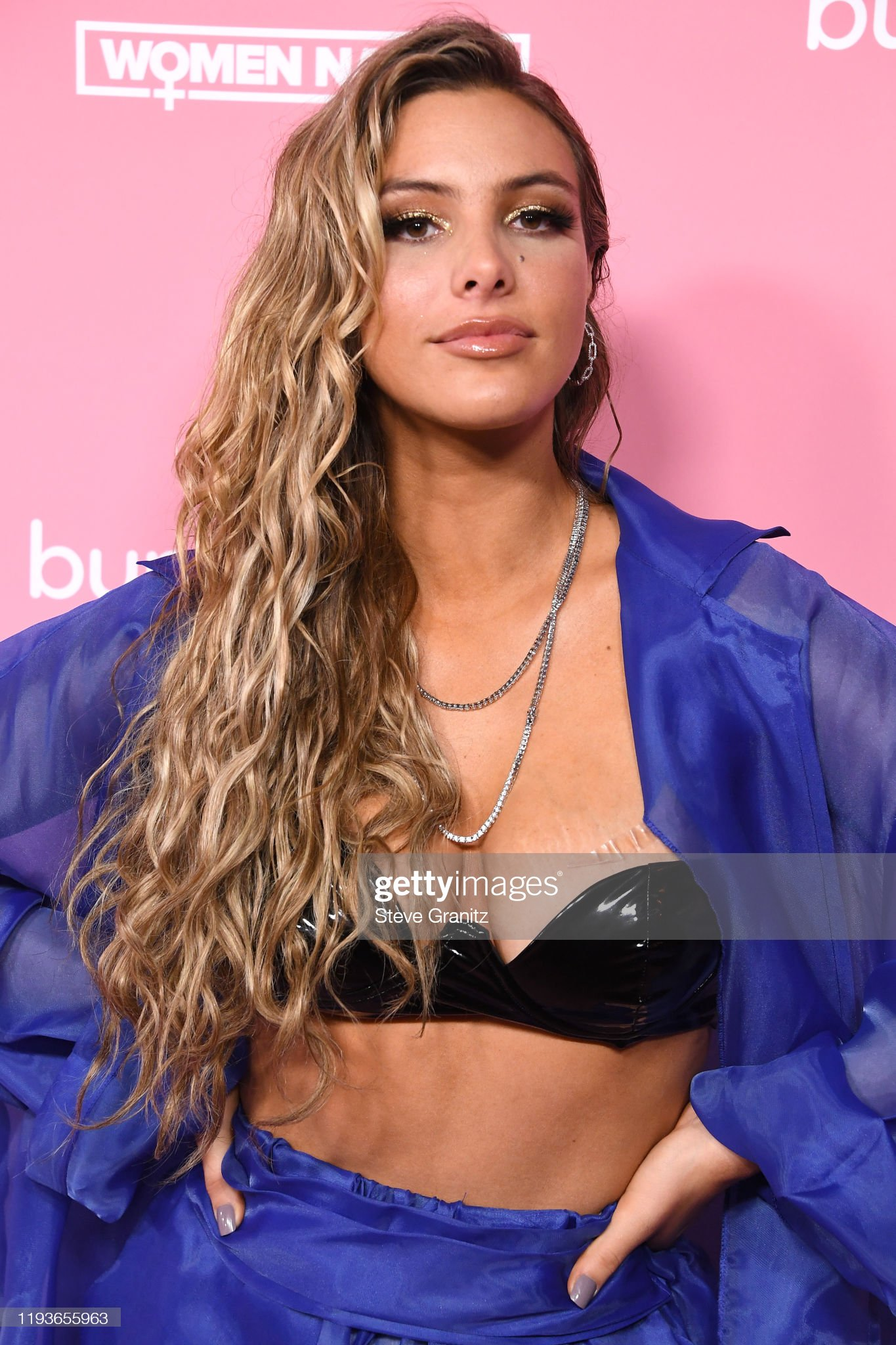 ¿Cuánto mide Lele Pons? - Altura - Real height Lele-pons-arrives-at-the-2019-billboard-women-in-music-at-hollywood-picture-id1193655963?s=2048x2048