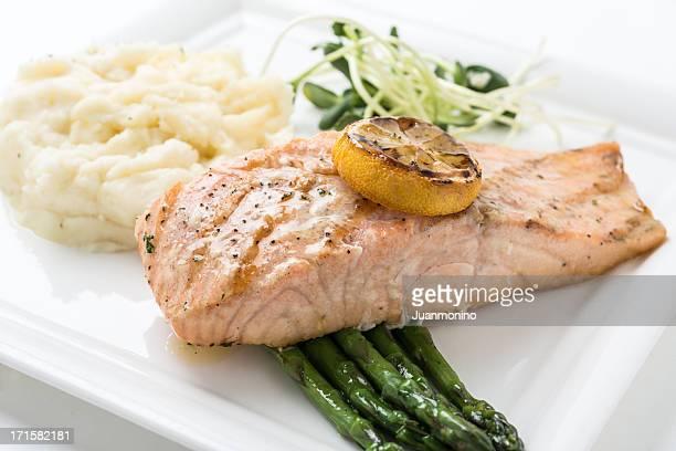 filet de saumon grillé au citron