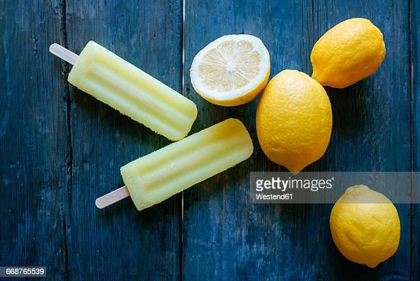 Lemon Snow Ice Cream with lemons