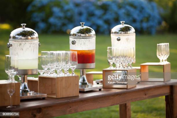lemonade and ice tea servings for guests - lemon soda stock pictures, royalty-free photos & images