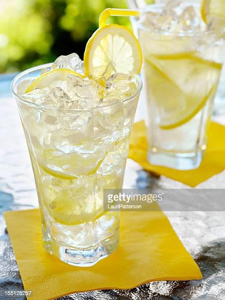Limonade auf der Terrasse