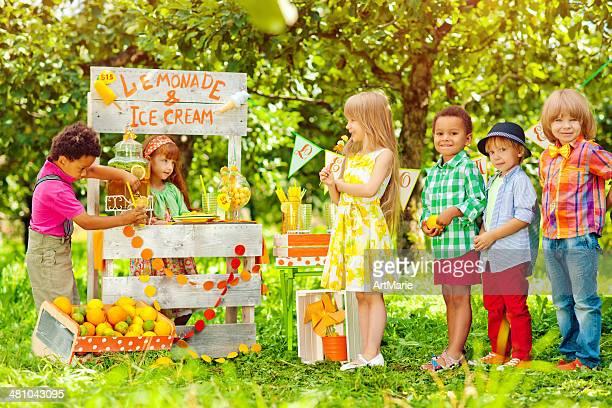 Lemonade stand and children
