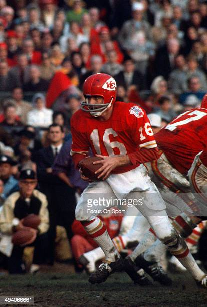 Len Dawson of the Kansas City Chiefs in action against the Minnesota Vikings during Super Bowl IV on January 11 1970 at Tulane Stadium in New Orleans...