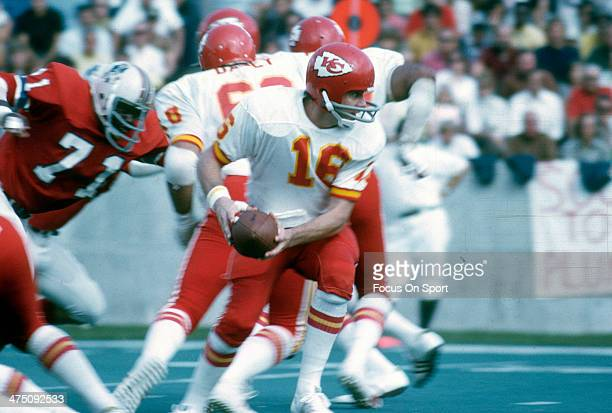 Len Dawson of the Kansas City Chiefs in action against the New England Patriots during an NFL Football game September 23 1973 at Schaefer Stadium in...