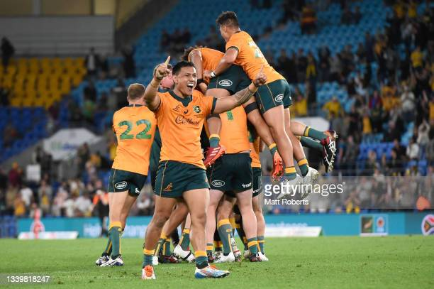 Len Ikitau of the Wallabies celebrates following Quade Cooper's winning penalty goal during the Rugby Championship match between the South Africa...
