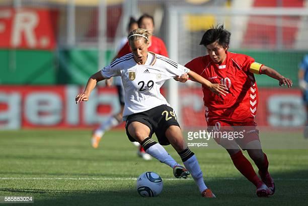Lena Größling Goessling gegen Yun Mi Jo Frauenfussball Länderspiel Deutschland Nordkorea Korea DVR 20 am 21 5 2011