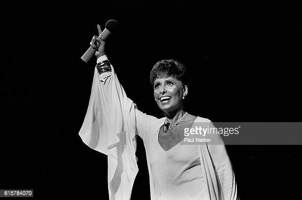 Lena Horne performs at the Poplar Creek Music Theater In Hoffman Estates, Illinois, July 30, 1982.