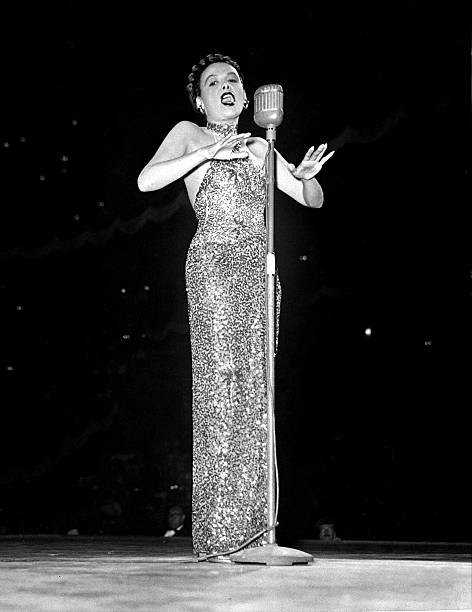 Lena Horne sings at the Daily News' Harvest Moon Ball at Mad