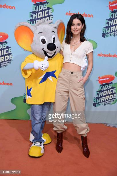 Lena MeyerLandrut attends the Nickelodeon Kids Choice Awards on April 4 2019 in Rust Germany