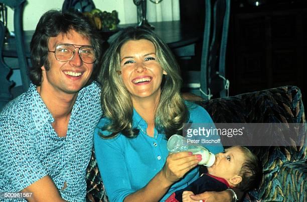 Lena Valaitis mit Ehemann Robert Wiedmann und Sohn Marco Promi Foto PBischoff Sc