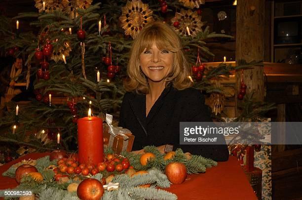 Lena Valaitis ZDFWeihnachtsShow Weihnachten mit M A R I A N N E M I C H A E L St Johann Tirol Österreich PNr 1566/2005 Adventskranz Weihnachtskranz...