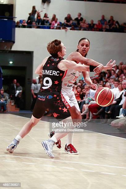Lenae Williams of ESB Villeneuve d'Ascq in action against Celine Dumerc of Bourges Basket during the game between ESB Villeneuve d'Ascq and Bourges...