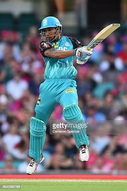 Lendl Simmons of the Heat bats during the Big Bash League match between the Sydney Sixers and the Brisbane Heat at Sydney Cricket Ground on January...