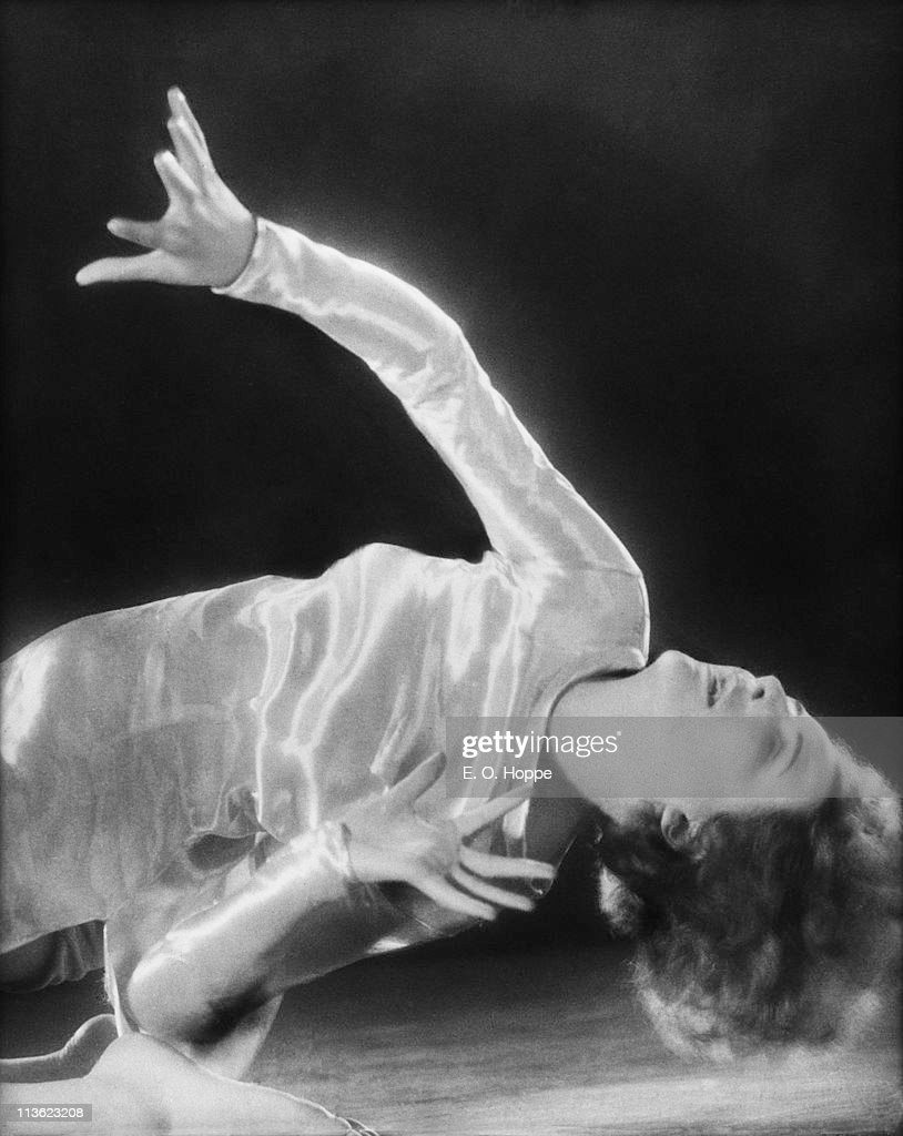 Leni Riefenstahl (1902 - 2003), German dancer, director and actress, 1928.