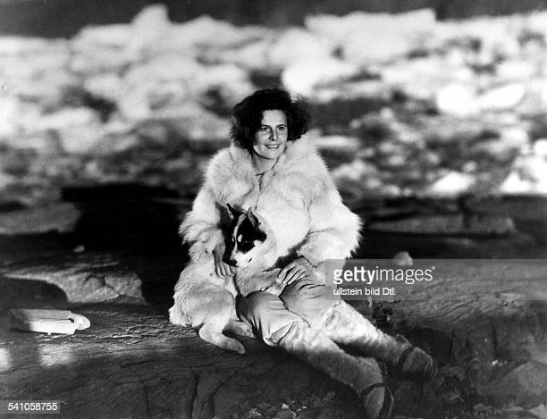 Leni Riefenstahl Leni Riefenstahl * Dancer actress film director Riefenstahl in the film 'SOS Iceberg'| director Arnold Fanck 1933