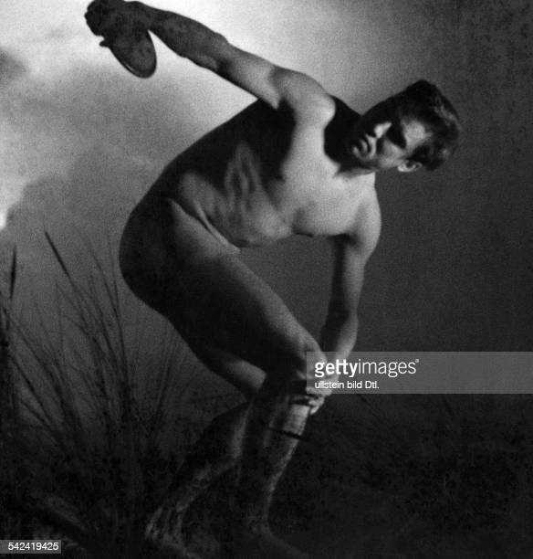 Leni Riefenstahl Naked discus thrower in classical pose| scene from Leni Riefenstahl's film 'Olympia', part 1: 'Festival of the Peoples' - 1936