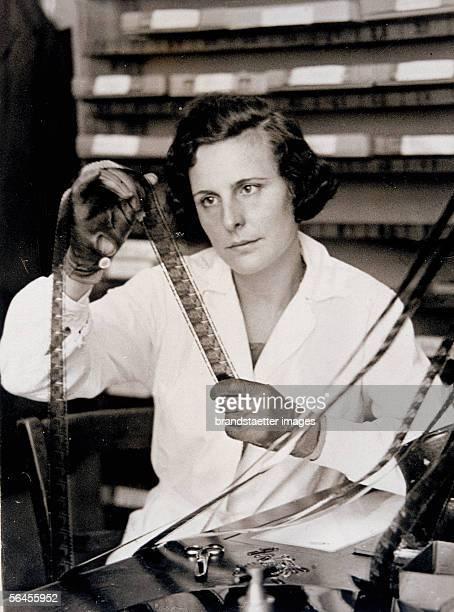 Leni Riefenstahl receiving the National Film Award 1934/35 for her film [Leni Riefenstahl erhaelt fuer ihren Film Triumph des Willens im Rahmen eines...