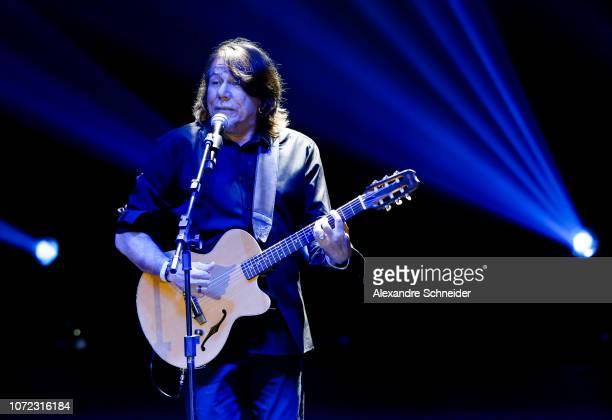 Lenine performs on stage during the Brazil Paralympics Awards Ceremony 2018 at Paralympic Tranining Center on December 12 2018 in Sao Paulo Brazil