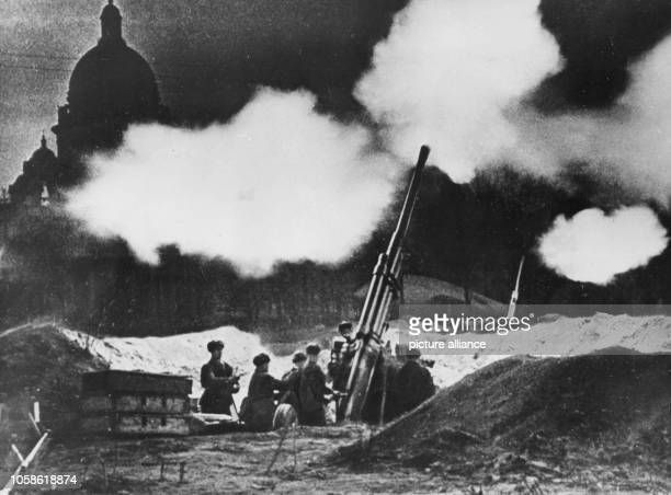 Saint Petersburg during the blockade Soviet artillery defend the city in 1942 The attack of the German Wehrmacht on the Soviet Union on the 22 June...