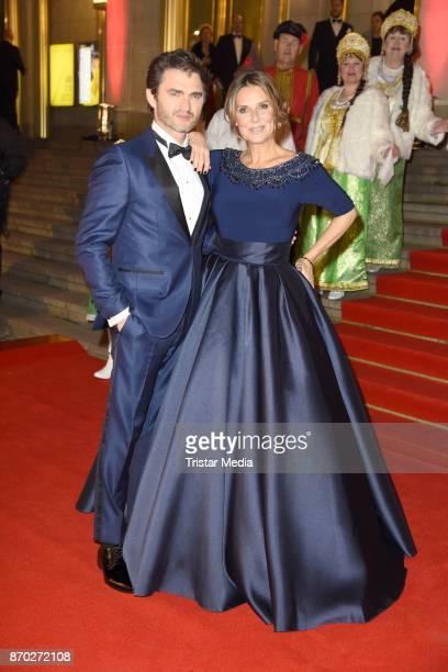 Lenn Kudrjawizki and Kim Fisher in a dress of Uwe Herrmann attend the Leipzig Opera Ball on November 4, 2017 in Leipzig, Germany.
