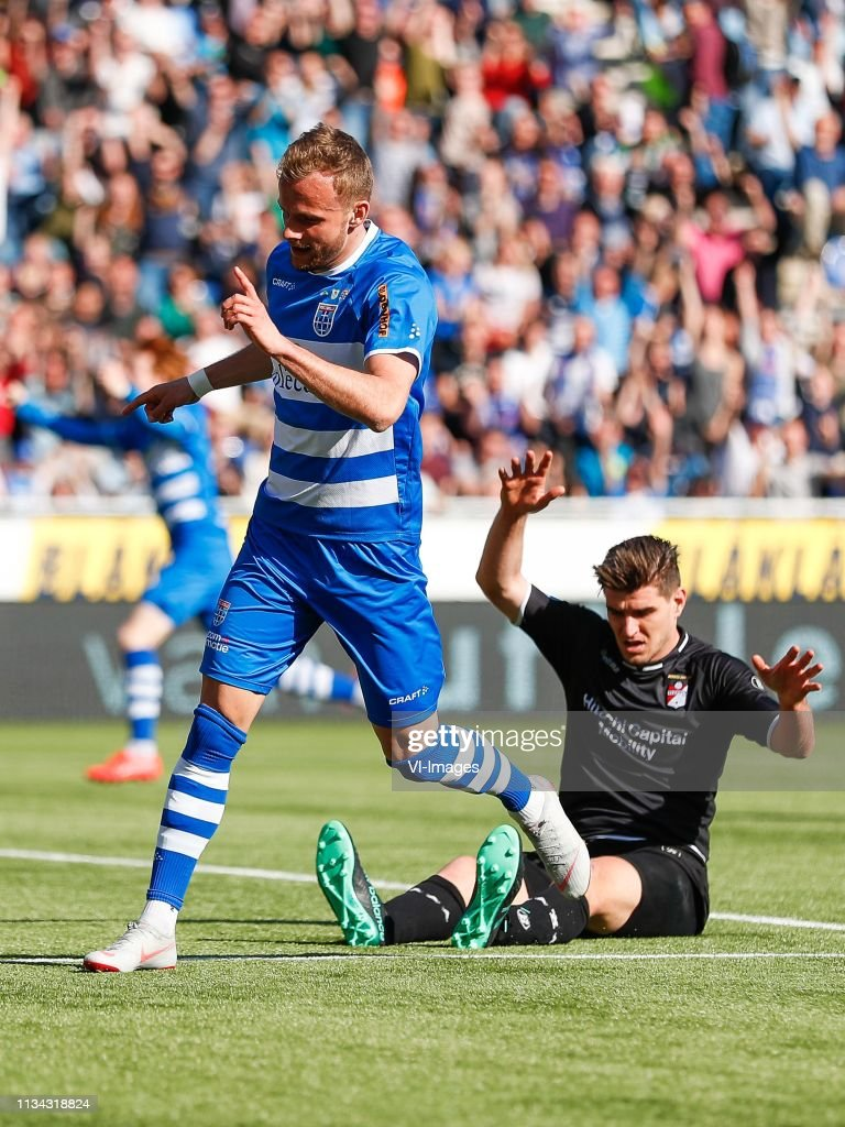 Lennart Thy Of Pec Zwolle Nick Kuipers Of Fc Emmen During The Dutch News Photo Getty Images