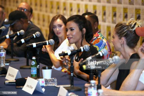 Lennie James Alycia DebnamCarey Colman Domingo Danay Garcia and Jenna Elfman attend the 'Fear the Walking Dead' autograph signing with AMC during...