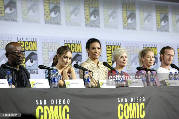 Lennie James, Alycia Debnam-Carey, Danay Garcia, Maggie Grace, Jenna Elfman, and Austin Amelio attend the Fear the Walking Dead Panel at Comic Con...