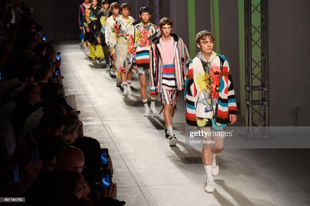 MSGM - Runway - Milan Men's Fashion Week Spring/Summer 2018 : ニュース写真