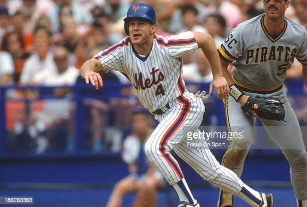Lenny Dykstra of the New York Mets runs the bases against the Pittsburgh Pirates during an Major League Baseball game circa 1986 at Shea Stadium in...