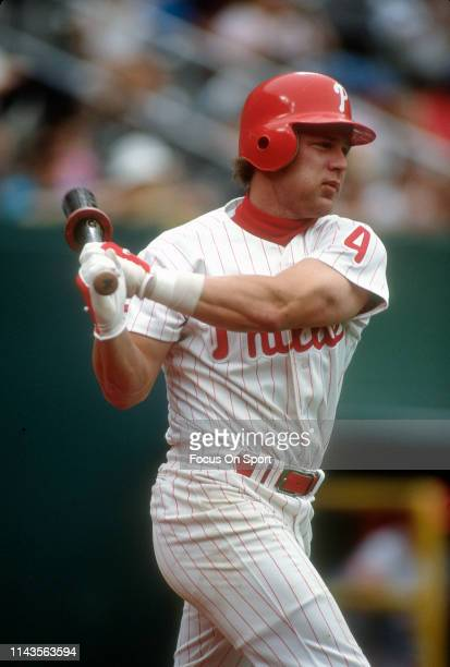 Lenny Dykstra of the Philadelphia Phillies warms his swing up in the ondeck circle during a Major League Baseball game circa 1993 at Veterans Stadium...