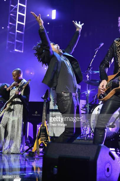 Lenny Kravitz performs a tribute to Prince onstage at the 32nd Annual Rock Roll Hall Of Fame Induction Ceremony at Barclays Center on April 7 2017 in...