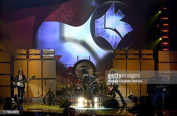 Lenny Kravitz performs 'Lady' during 32nd Annual American Music Awards Show at Shrine Auditorium in Los Angeles California United States