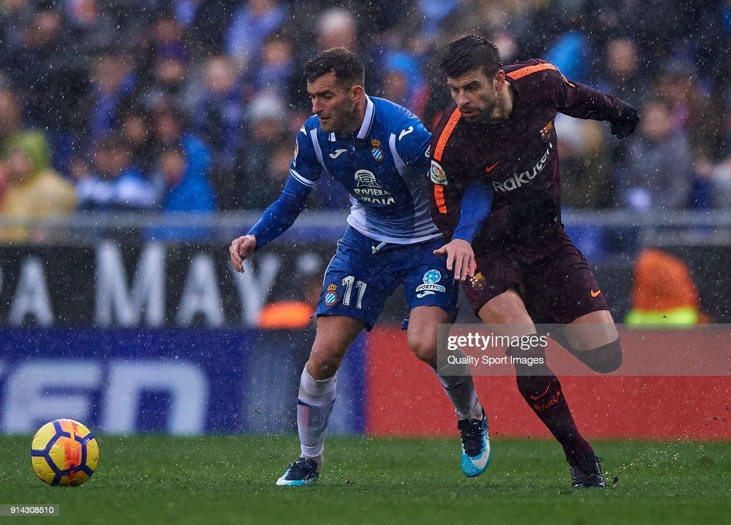 Espanyol v Barcelona - La Liga : ニュース写真