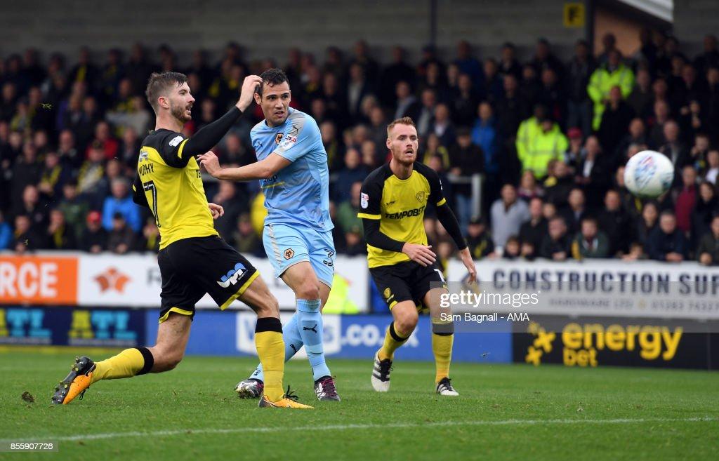 Leo Bonatini of Wolverhampton Wanderers scores a goal to make it 0-4 during the Sky Bet Championship match between Burton Albion and Wolverhampton at Pirelli Stadium on September 30, 2017 in Burton-upon-Trent, England.